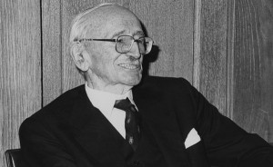Friedrich Hayek i anledning 50-års jubileet for hans første forelesning ved London School of Economics (1981). (Kilde: Wikimedia Commons)