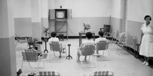 Patients_watching_TV_at_the_Florida_State_Hospital_in_Chattahoochee_Florida_9818009964